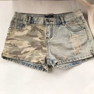 Mine denim/camouflage distressed jeans shorts